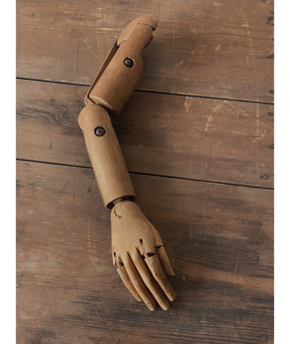 Mannequin arm