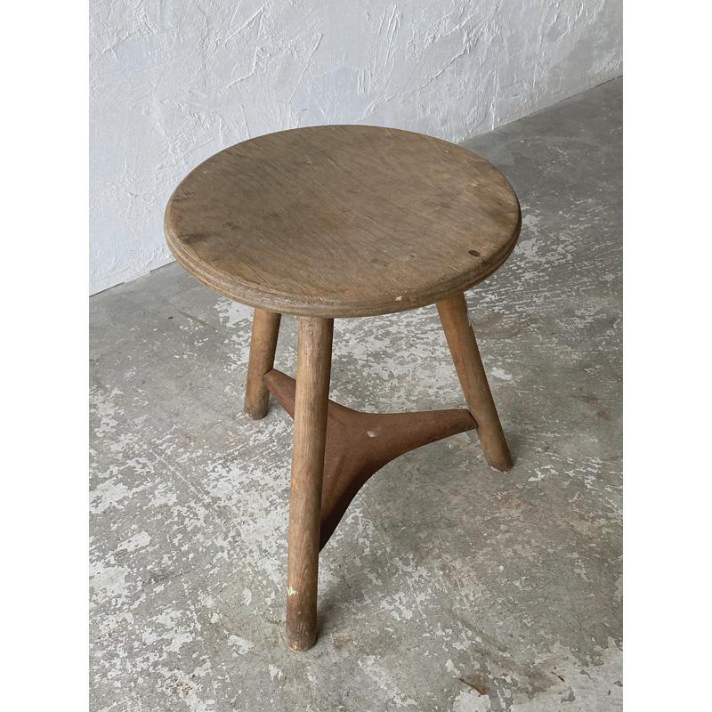 wood-ironstool-2