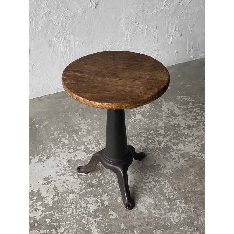iron-stool-2