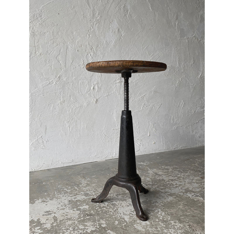 iron-stool-3