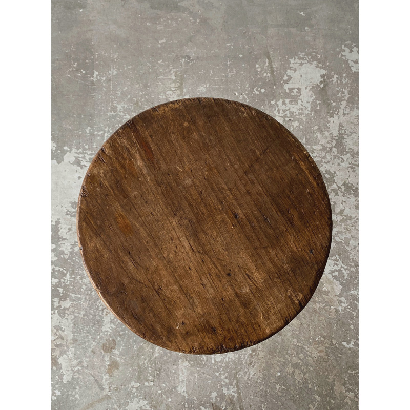 iron-stool-4