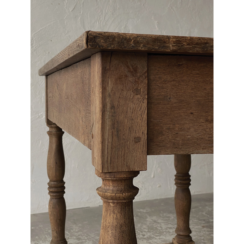 Normandy-table-12