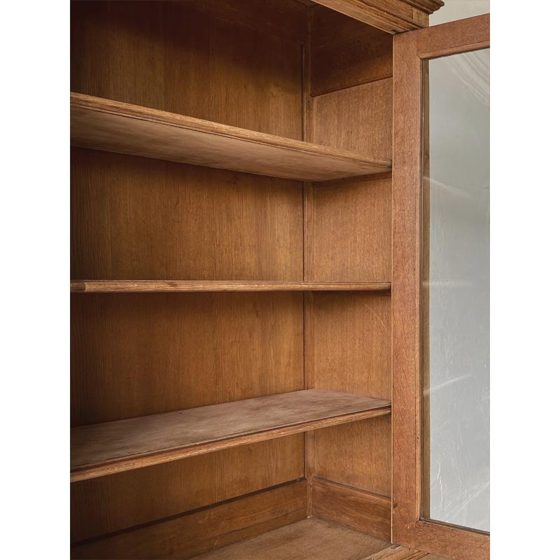 oak-glass-cabinet-10