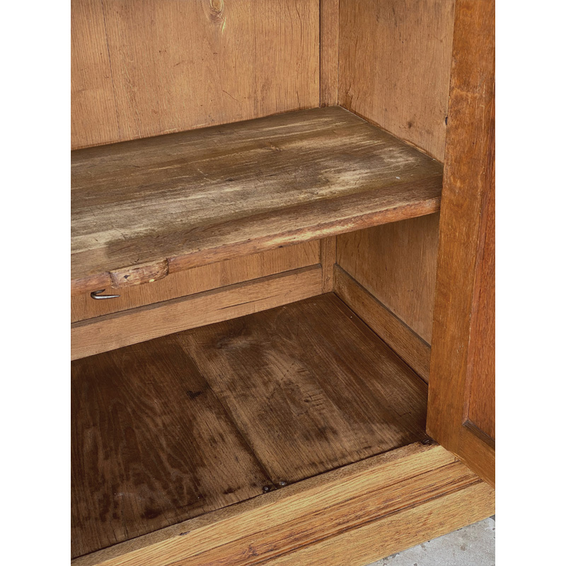 oak-glass-cabinet-17