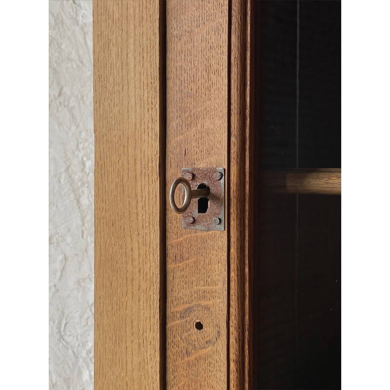 oak-glass-cabinet-7
