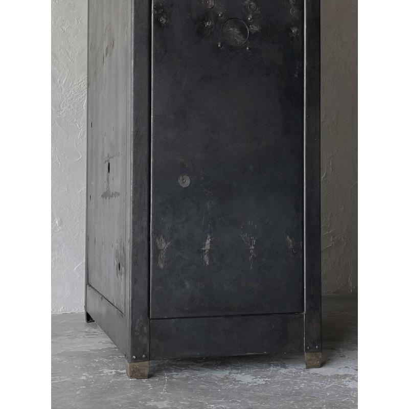 iron-cabinet-24