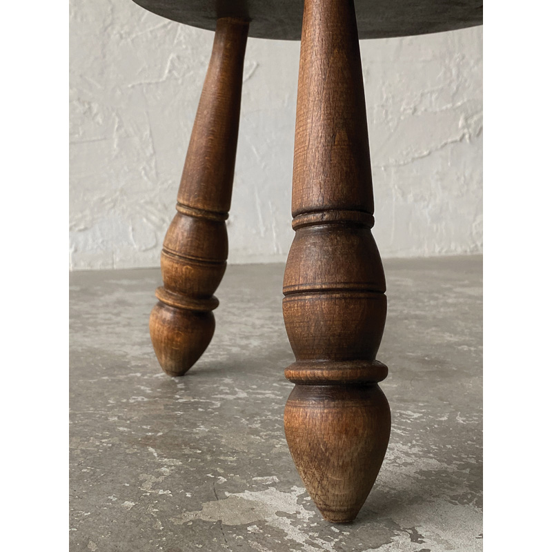 THREEreg_stool-8